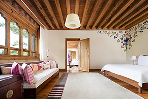 50404547-H1-COMO_Villa_Bedroom